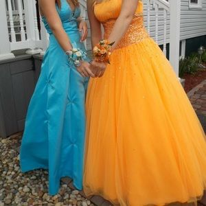 Dresses & Skirts - Orange prom dress
